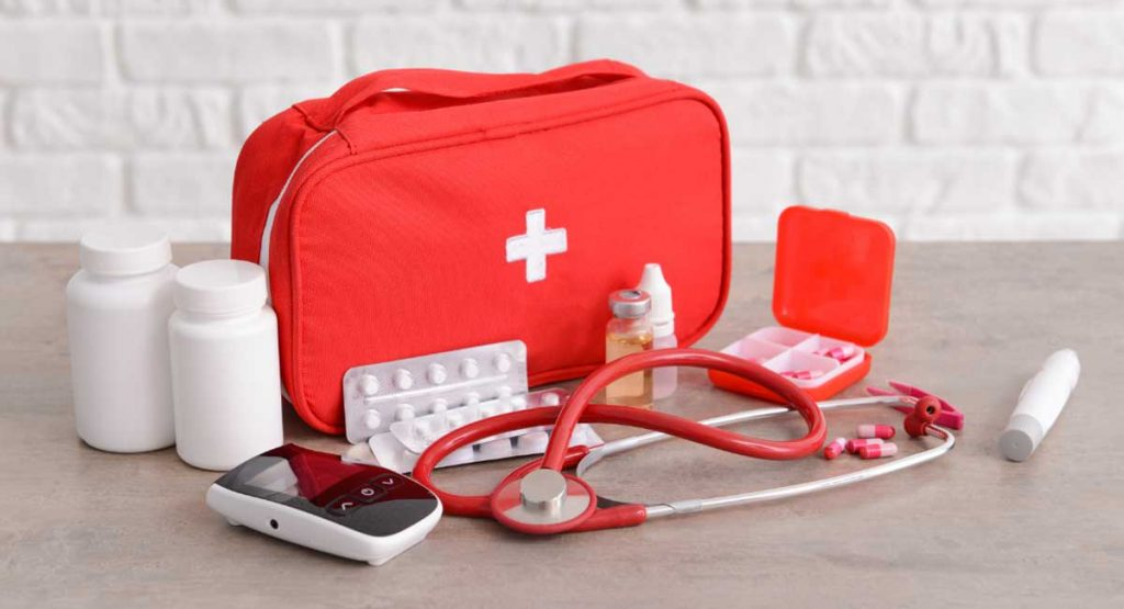 Everything You Need to Know to Put Together a Survival First Aid Kit